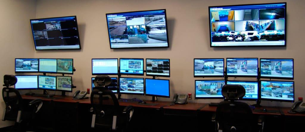 Los Monitores Industriales son útiles para ayudarte a monitorear en tiempo real sistemas de seguridad en diversos escenarios.